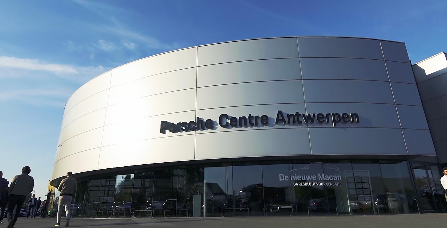 Porsche Center Antwerpen met Sterck Magazine door Jason Berkley Studios event videografie