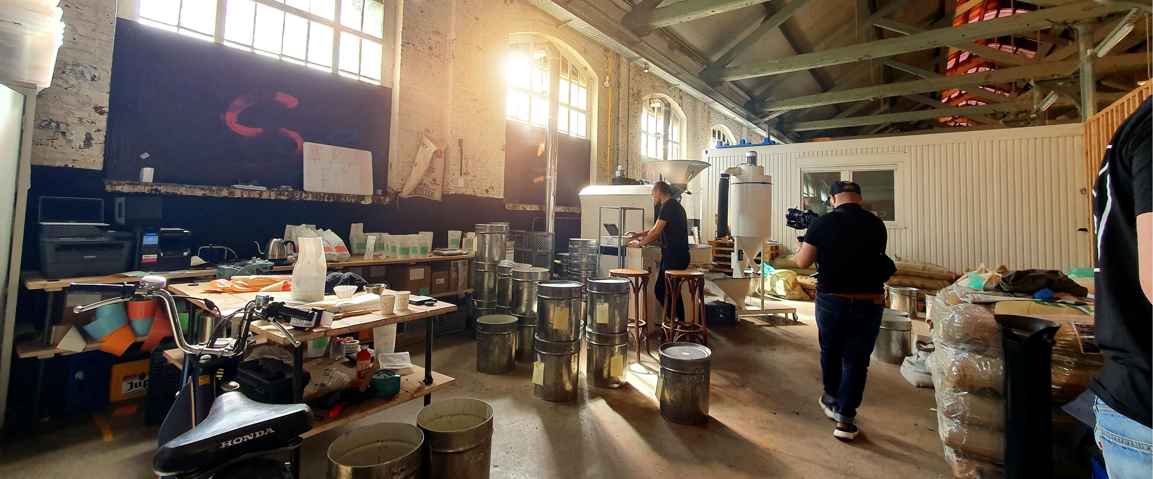 Jason Berkley Studios tijdens de opnames voor de brandvideo van Sapiens