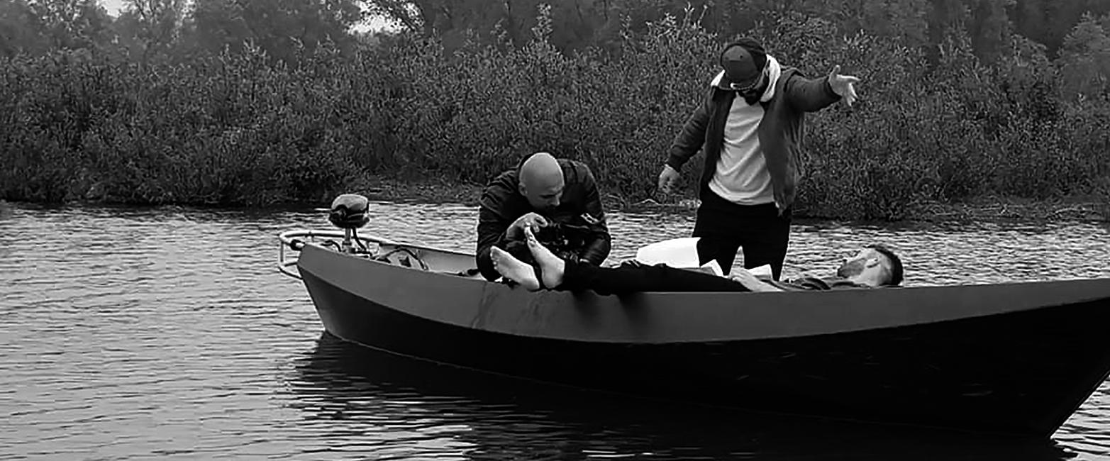 Achter de schermen bij Jason Berkley Studios, tijdens de opnames van Floating voor Daniel Verstappen.